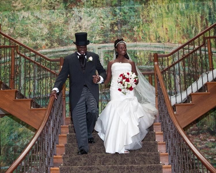 bride-groom-stairs